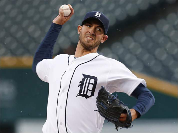 Detroit Tigers pitcher Rick Porcello throws against the Houston Astros.
