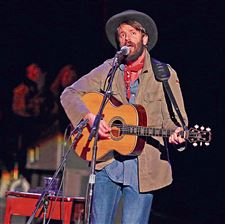 Ray-Lamontagne-performs-at-the-Shoreline-Amphithea