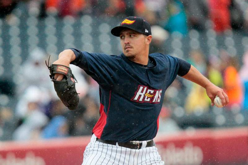 Hens15pToledo-s-starting-pitcher-Blaine-Hardy-winds-u