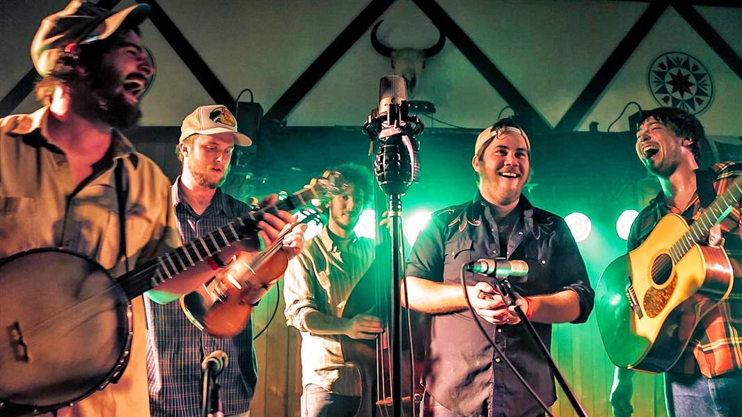 The-high-energy-bluegrass-band-from-Wisconsin-Hor