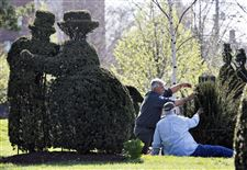 Central-Ohio-Summer-Guide-TOPIARY-PARK