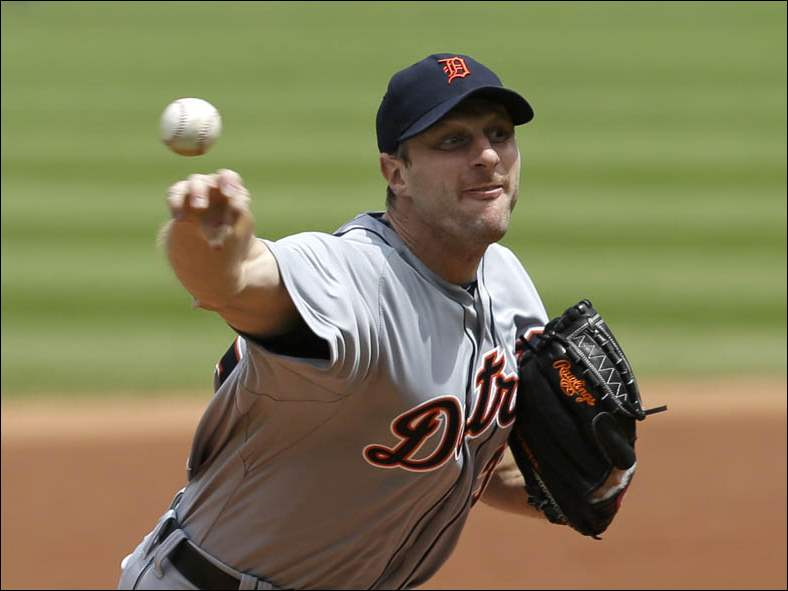 Max Scherzer  delivers in the first inning of a baseball game against the Cleveland Indians.