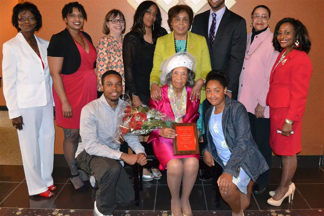 2014-Mother-of-the-Year-Frenchaye-Harper-Lathom