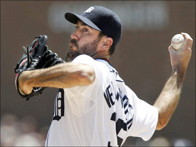Detroit Tigers pitcher Justin Verlander delivers against the Texas Rangers.