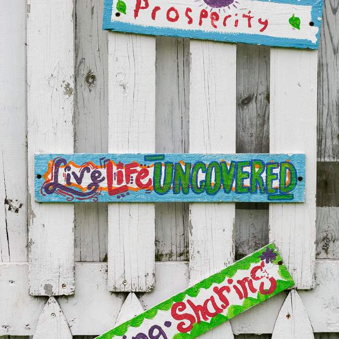 FEA-wiarjoe20pColorful-signs-on-a-garden-structure