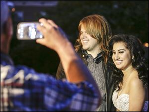 Caleb Johnson and Jena Irene talk about their American Idol experience before attending her North Farmington High School Prom.