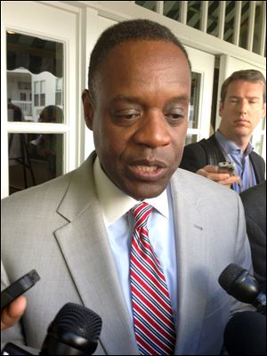 "Detroit emergency manager Kevyn Orr said city retirees and workers considering a deal to cut their pensions risk much steeper reductions if they make a ""protest vote"" over a restructuring plan to help Detroit out of bankruptcy."