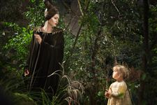 Box-Office-Angelina-Jolie-as-Maleficent
