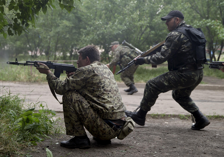 Pro Russia Rebels Attack Ukrainian Border Guards The Blade