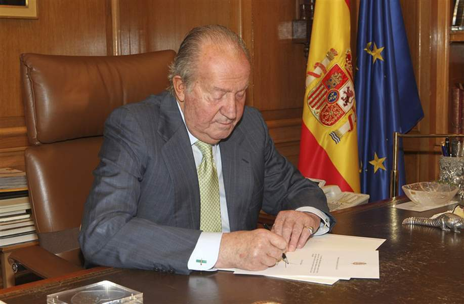 Spain-King-Abdicates-3