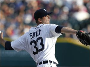 Detroit Tigers pitcher Drew Smyly throws against the Boston Red Sox.