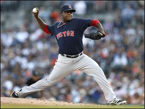 Red Sox pitcher Rubby De La Rosa throws against the Detroit Tigers.