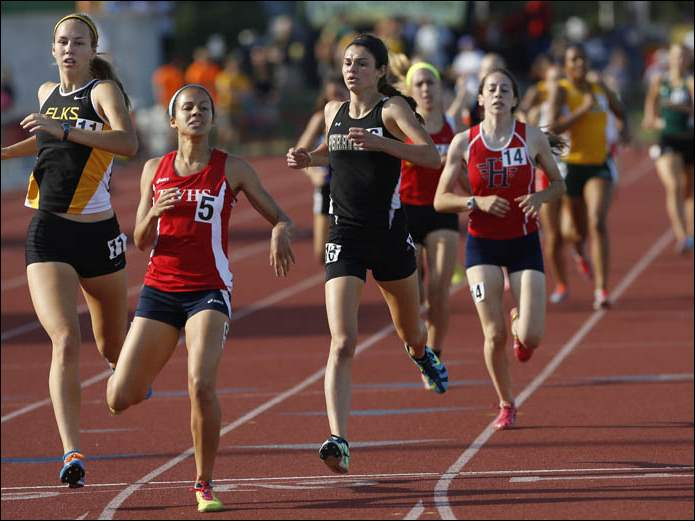 Perrysburg's Courtney Cody, 3rd from left, takes 3rd in the Div. 1 800 meter run.