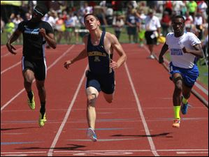 Archbold's Levi Wyse places 4th in the Div. III  200-meter dash.