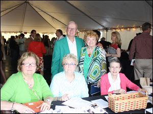 Standing:  Bill Puckett and Polly Tate. Seated, from left:  Sue Brue, Patricia Hilfinger and Susan Mason.