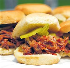 Root-beer-shredded-pork-sliders