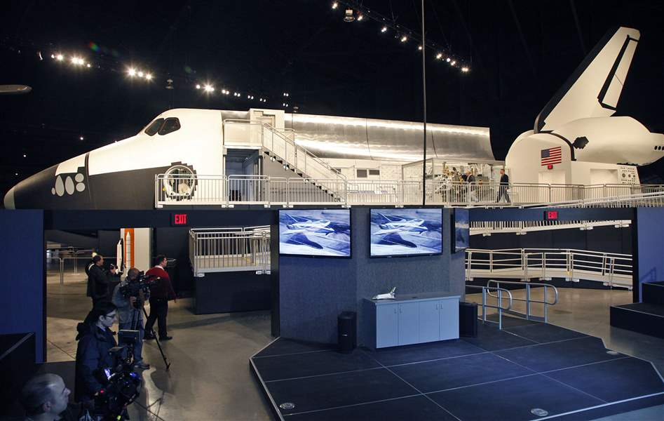 Shuttle-Exhibit-Ready-001