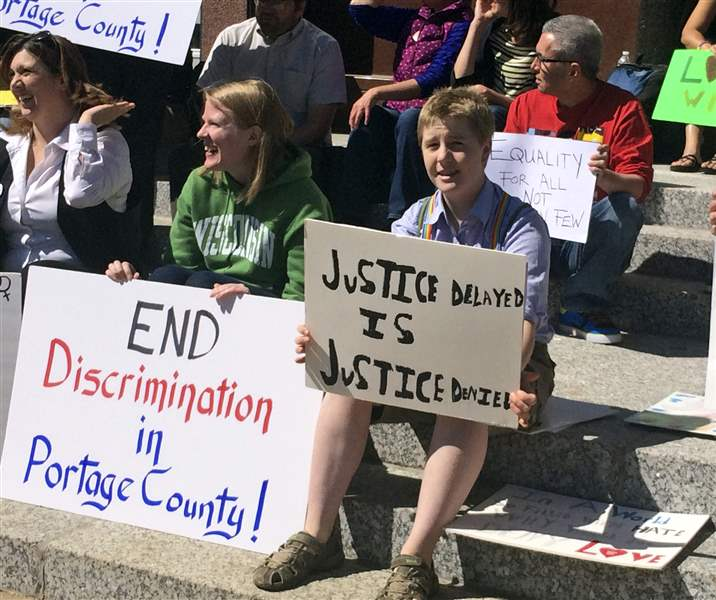 Gay-Marriage-Wisconsin-8
