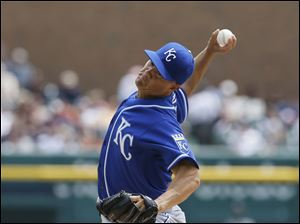 Kansas City Royals starting pitcher Jeremy Guthrie throws against the Detroit Tigers.