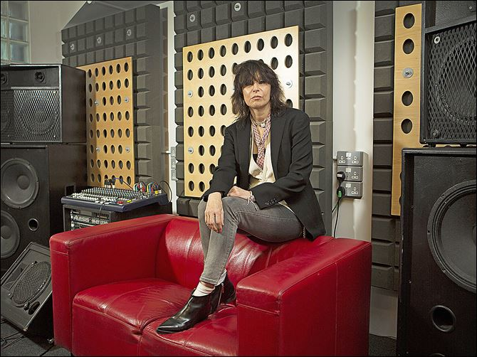 Britain Chrissie Hynde Portrait Chrissie Hynde in a north London recording studio June 10 following the release of her first solo venture, six years after the last Pretenders album.