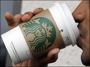 Starbucks workers who attend Arizona State online receive a discount in tuition their freshman and sophomore years. Starbucks will reimburse them their junior and senior years.