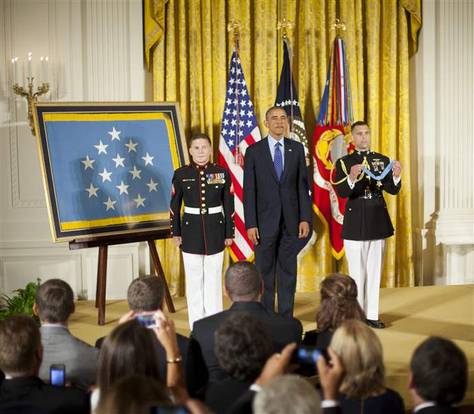 Obama-Medal-of-Honor-22