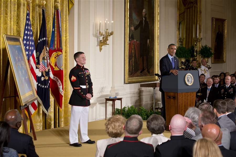 Obama-Medal-of-Honor-24
