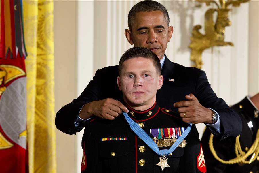 Obama-Medal-of-Honor-27