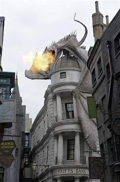b1dragon-1-Gringotts-Bank