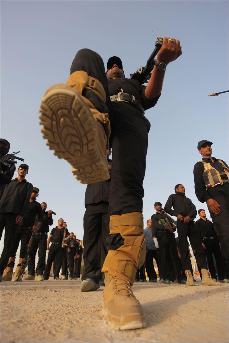Maula Ali Shrine Wallpaper: Sunni Militants Seize Iraq Crossing On Syria Border, Kill