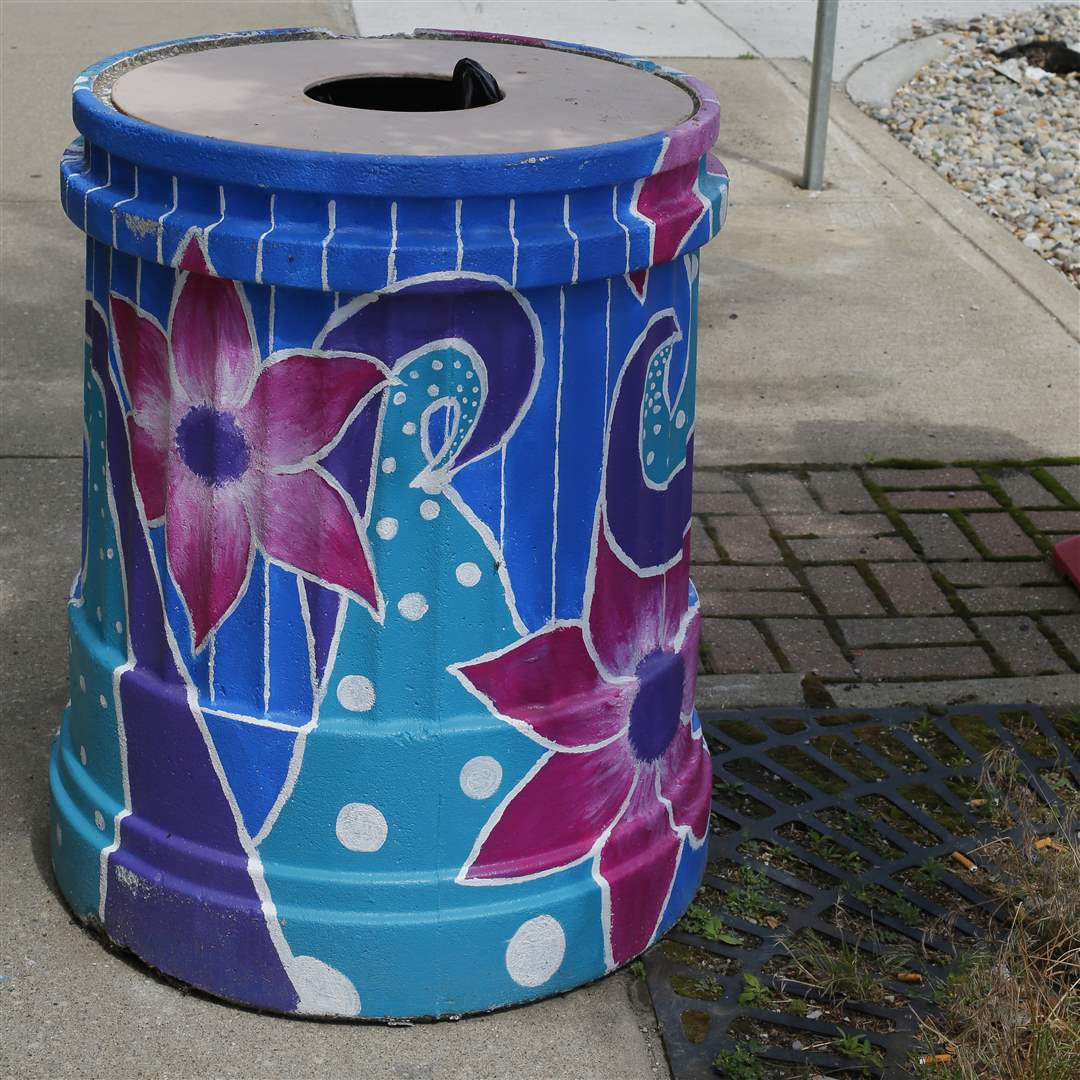 painted-trash-can-6-22
