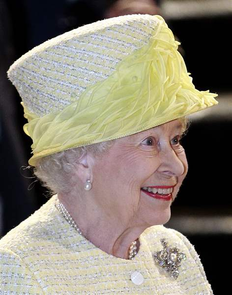 Britain-Northern-Ireland-Queen-Elizabeth-1