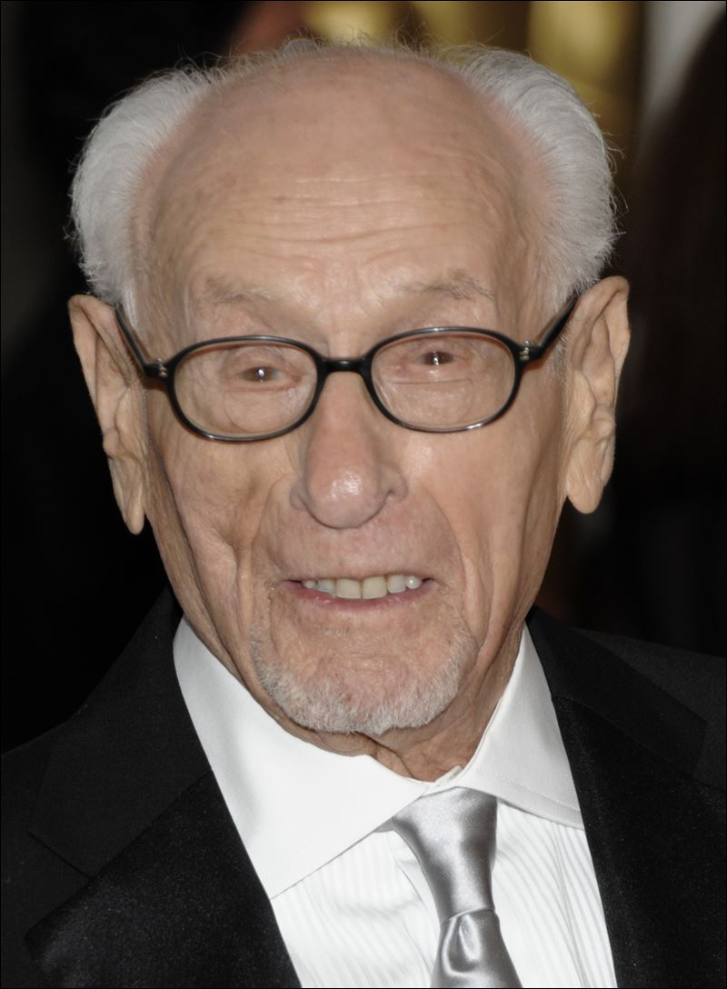 eli wallach height
