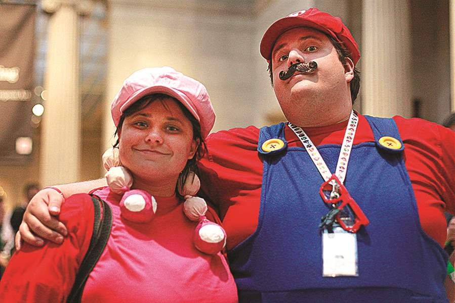 SOC-videoart21pNicole-Klatt-left-dressed-as-Toadette-and-Bill-C