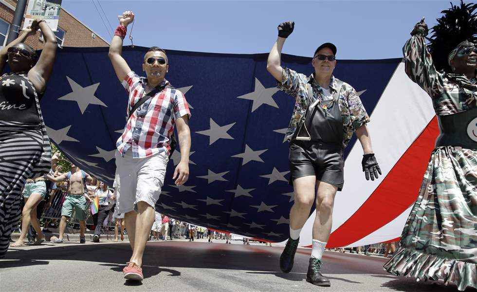 Gay-Pride-Parade-Chicago-2