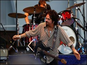 Steve Lukather performs with the Ringo Starr and His All-Starr Band.