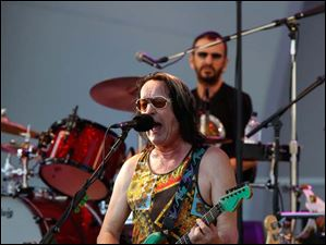 Todd Rundgren performs with Ringo Starr and His All-Starr Band in Toledo Tuesday night.