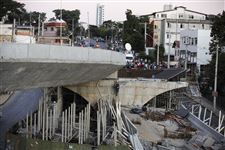 Brazil-Wcup-Overpass-Collapse-2