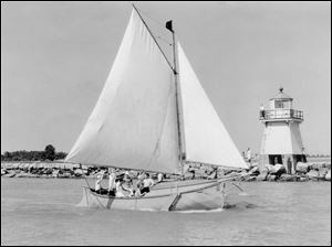 The Port Clinton lighthouse, built in 1896, was removed from the pier in 1952 by a local marina.