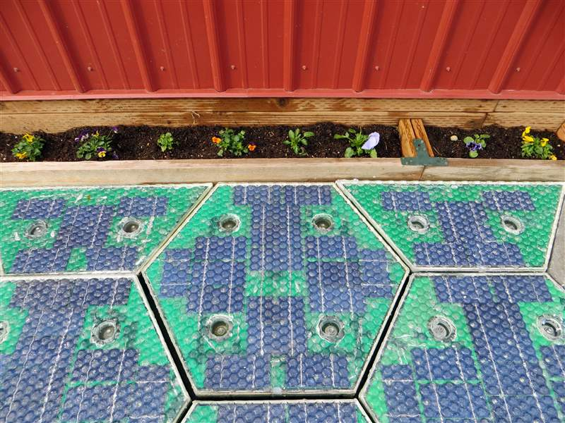 Solar-Roadways-3