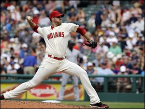 Cleveland Indians starting pitcher Zach McAllister delivers against the Chicago White Sox.