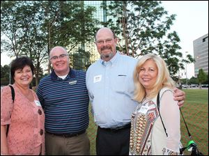 Mary Pettee, Gordon MacRitchie, Phil Rudolph, Jr., and Mary Lou Rudolph at the United Way of Greater Toledo Leadership on the Lawn event.