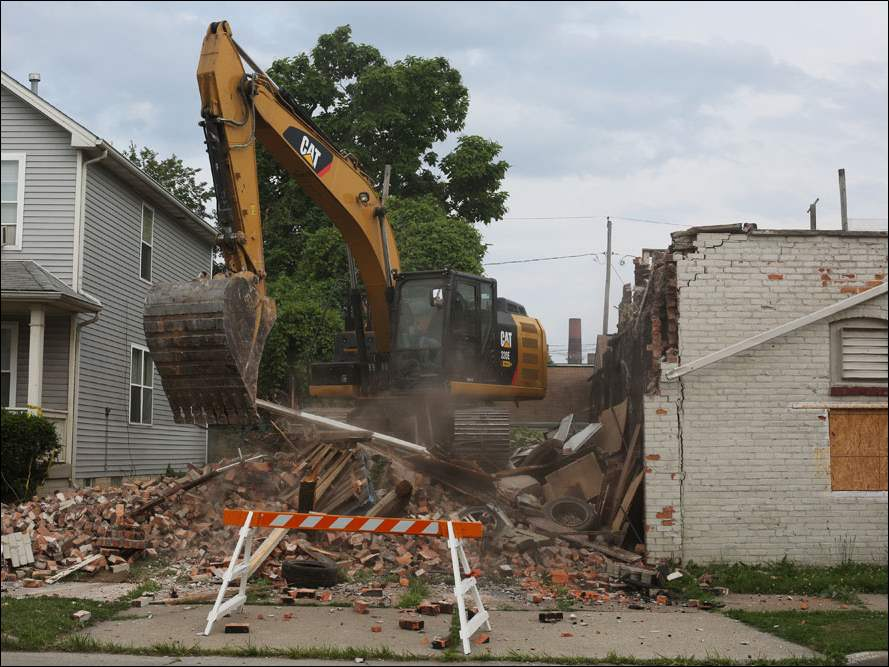 Demolition at 528 Magnolia St.