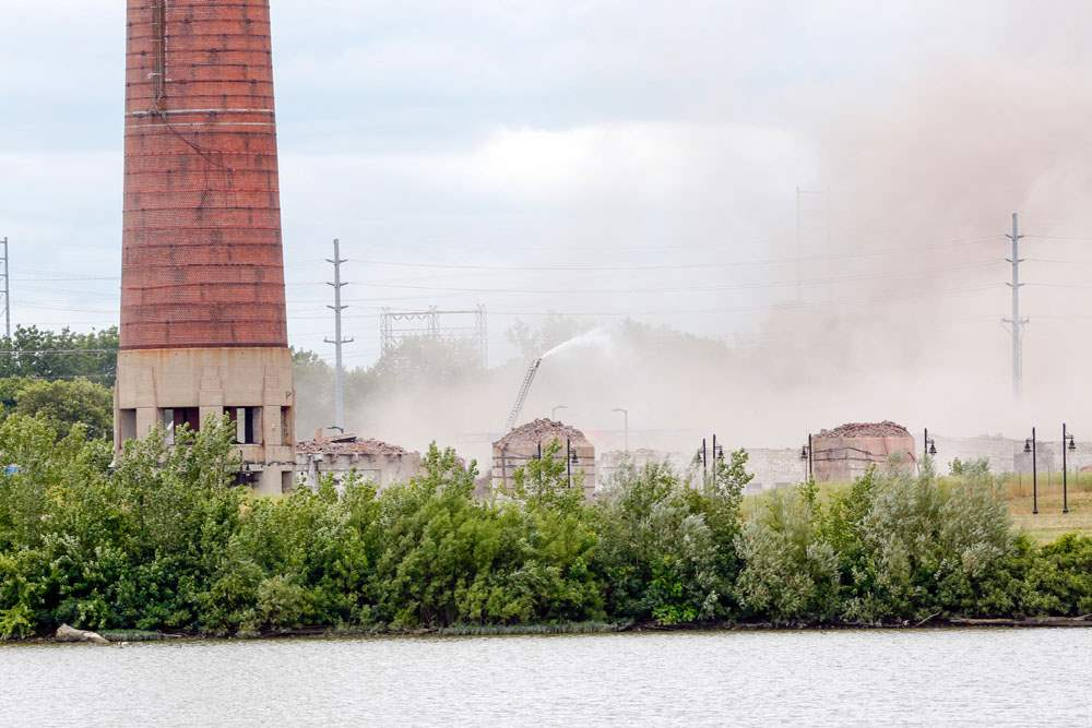CTY-implosion17pThe-two-smaller-smokestacks-are-gone-at-the-Marina-District
