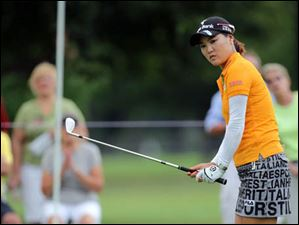 So Yeon Ryu watches her shot on the #4 hole.