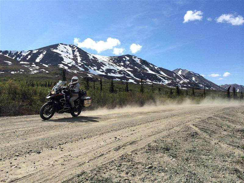 TRAVEL-UST-ALASKA-MOTORCYCLE-3-LA