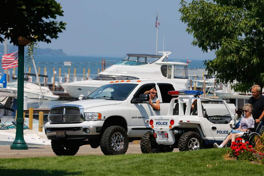 CTY-PIB25A-Put-in-Bay-police-officer-on-patrol-alo