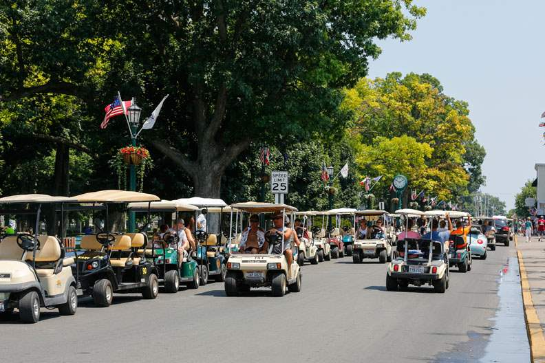 CTY-PIB25Tourists-enjoy-Delaware-Avenue-at-Put-in-Bay