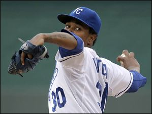 Kansas City Royals starting pitcher Yordano Ventura throws against the Cleveland Indians.