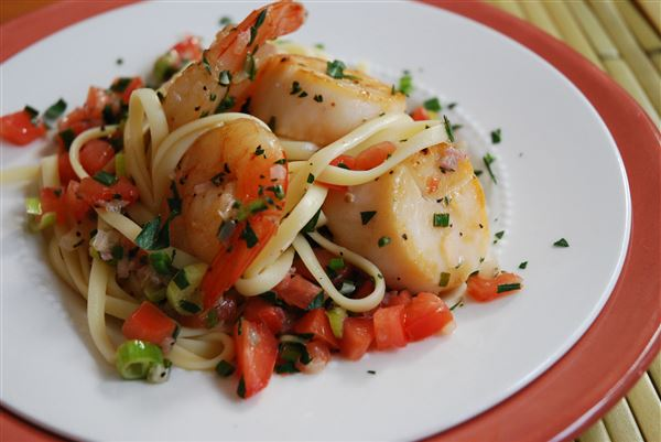 Summer-Style-Shrimp-and-Scallops